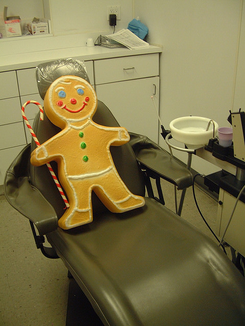 Preparing the child's dental seat with ginger bread
