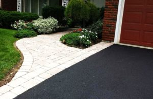 Simple driveway and path interlocking